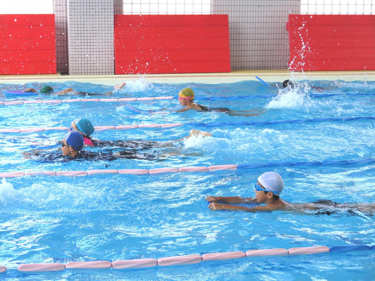 ジュニアスイミング<br /> 楽しく泳げるようになりましょう。1回無料体験出来ます。